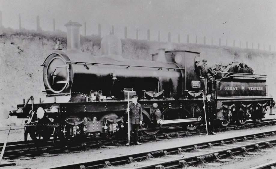 GWR 4-4-0 3552 in early condition