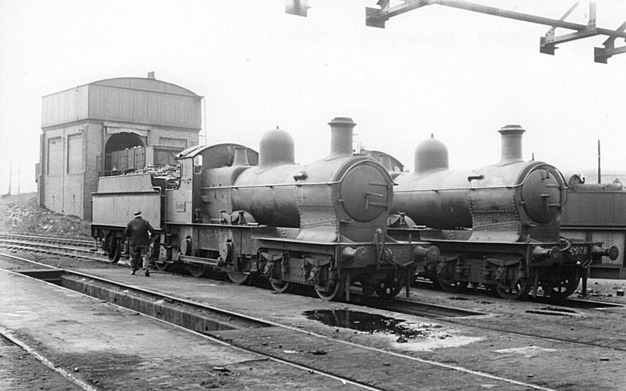 Dukedogs 9022 and 9038 at Oswestry, c 1950