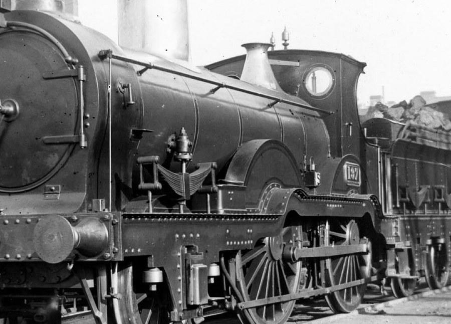 GWR 137 with partial lining