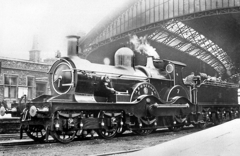 GWR Armstrong No 7 at Bristol Temple Meads, c 1905-6