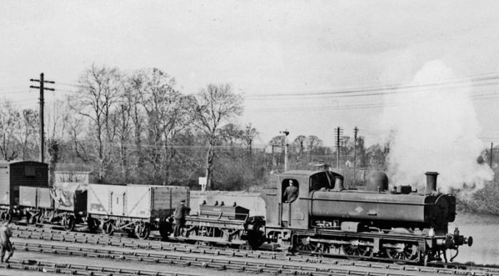 Pannier 3653 shunts at the western end of the yards at Didcot