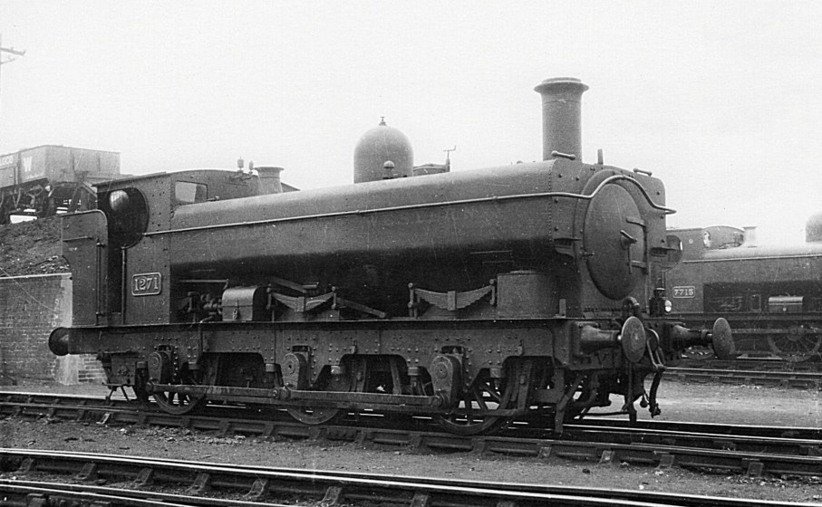 GWR autofitted Buffalo tank 1271 with extended tanks
