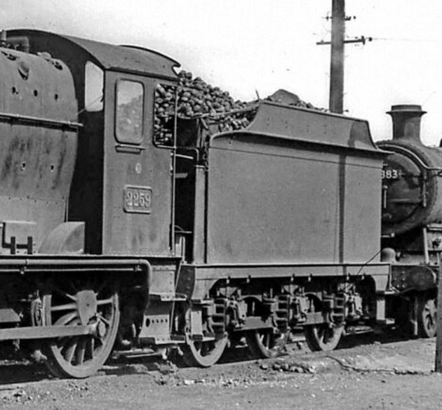 ROD tender behind Collett Goods 2259 at Reading