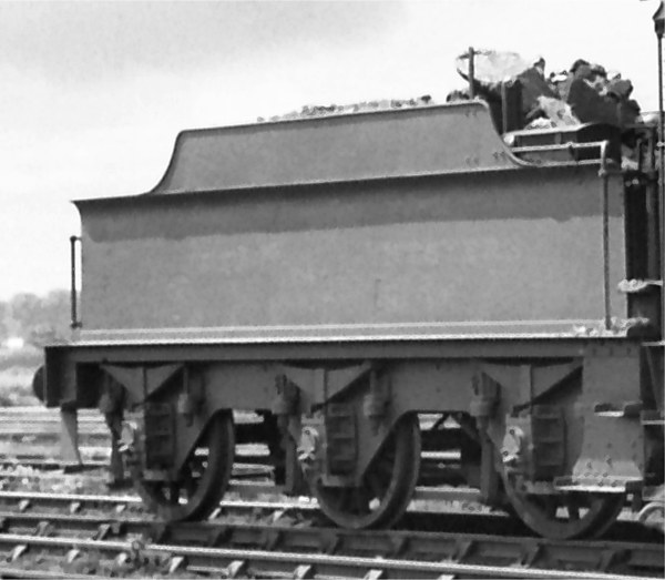 Dean 3000g tender with later underframe, running behind Collett Goods 2272