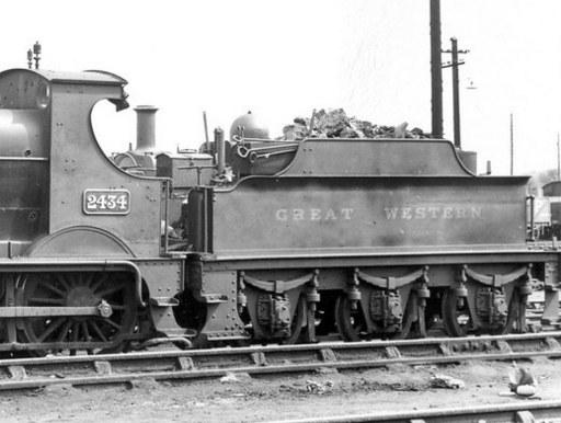 2000g tender behind Dean Goods 2434 at Pontypool in 1935