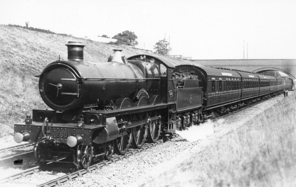 Saint 2908 'Lady of Quality' with an express, prior to WWI