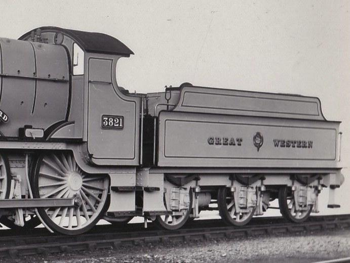 Churchward 3500g tender behind GWR 4-4-0 County 3821, in 1911