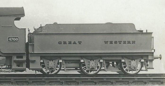 Churchward 3500g tender behind 4700, in 1919