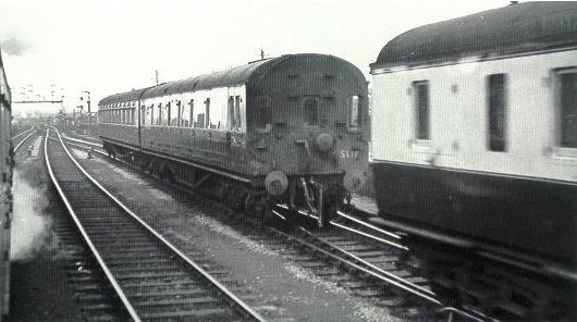 GWR slip coach at Reading